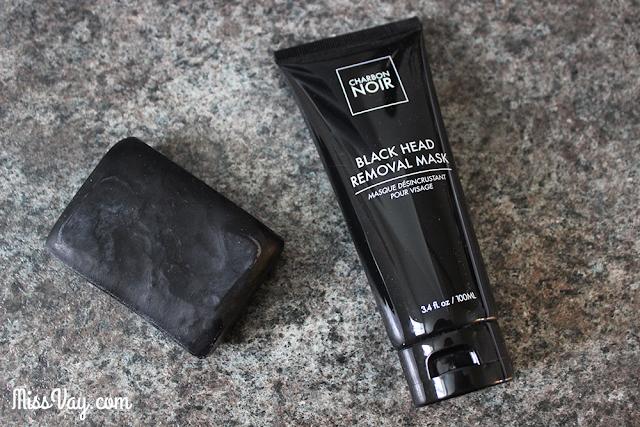 Masque désincrustant pour le visage charbon noir