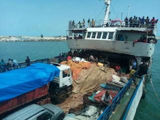 gabon deports 356 africans nigeria