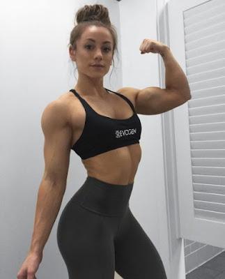 Lauren Findley shows her great muscles