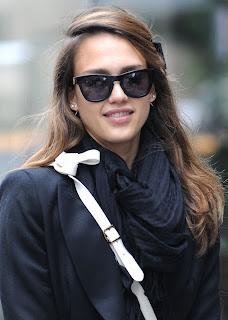 Ünlülerin 2012 Güneş Gözlük Modelleri