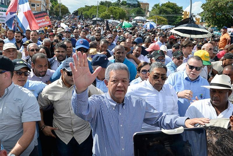 Leonelistas convocan a otra manifestación frente al Congreso