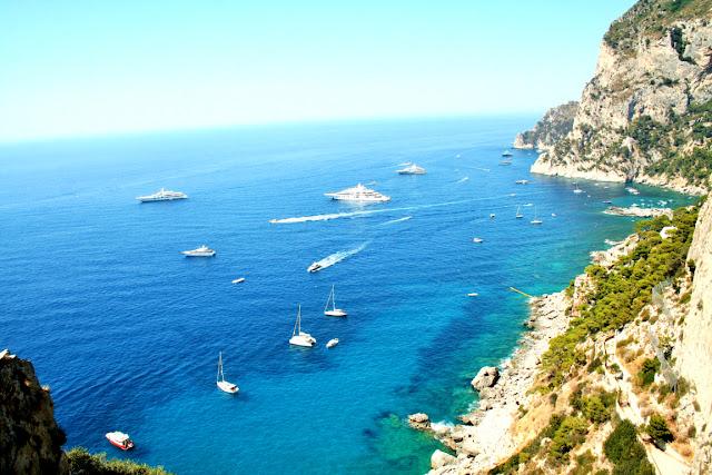 mare, acqua, costa, barche, acqua cristallina, rocce, costa