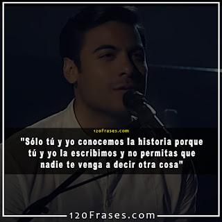 Carlos Rivera cantando