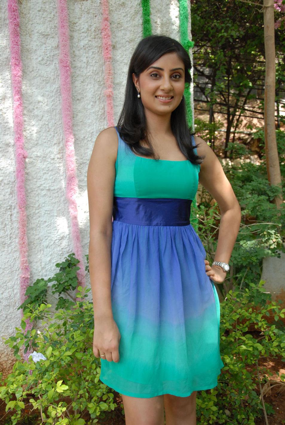 Gorgeous Bhanu sri mehra sexy stills