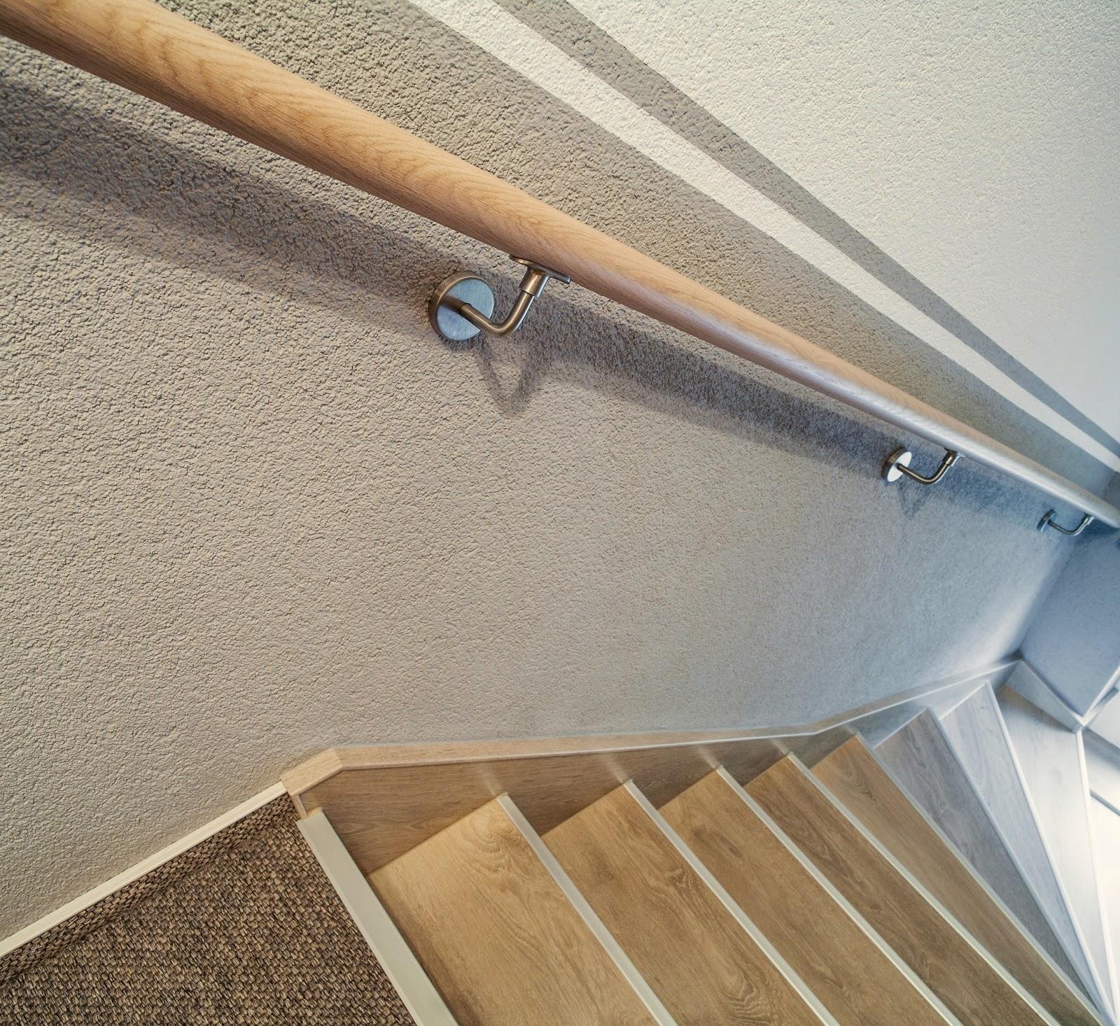 Treppenrenovierung - Wandhandlauf rund, d = 45 mm