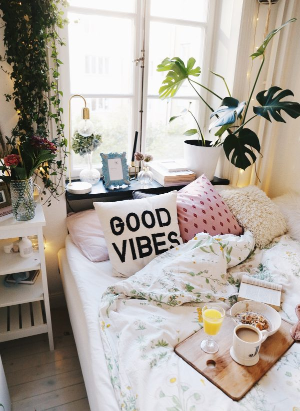 Boho bedroom with a bit of feminine flair-Embracing good vibes and good intentions for 2017.