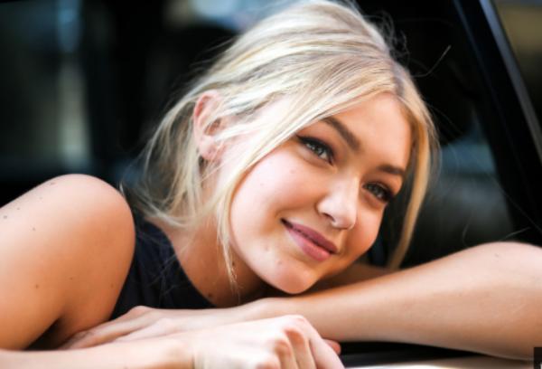 Gigi Hadid Artis Muda Hollywood Tercantik dan Terpopuler Saat ini