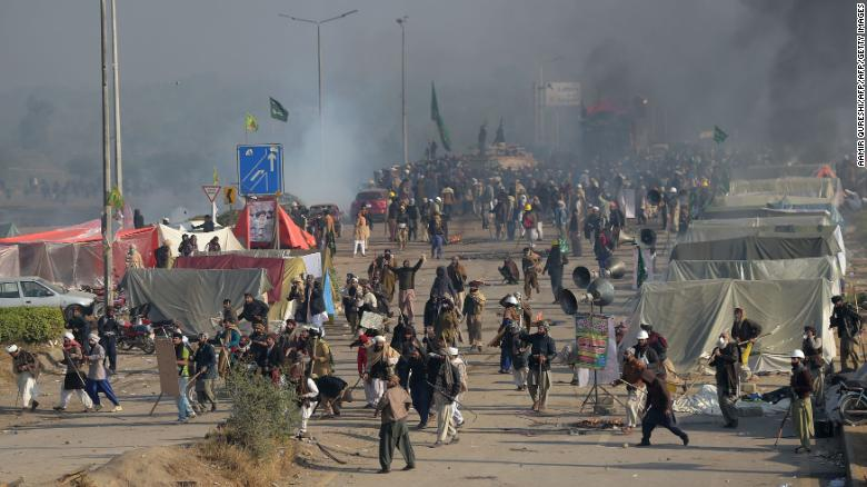 news: 2 dead, 250+ injured in Pakistan as  protests were being cleared by the police