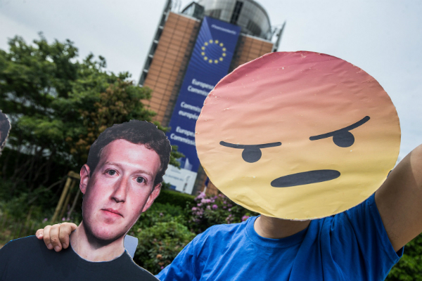 دولة جديدة تحظر فيسبوك لمدة شهر!