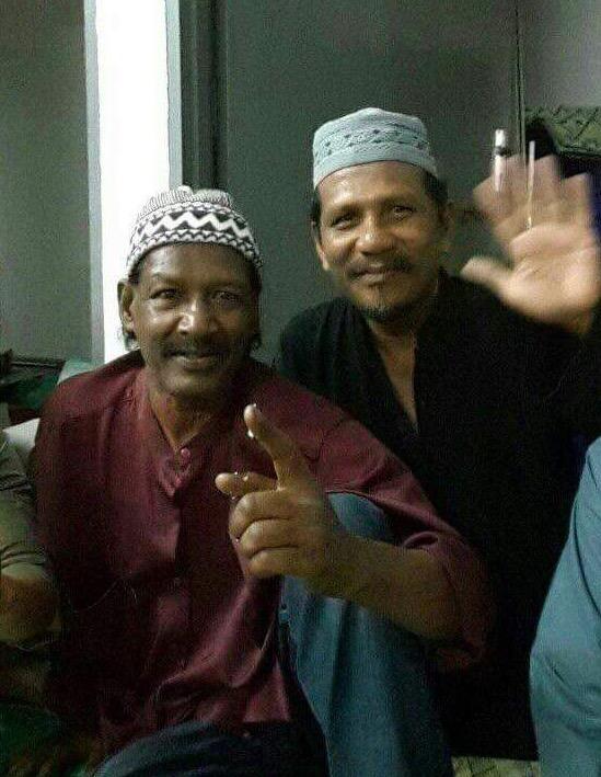 Acappan Peluk Islam