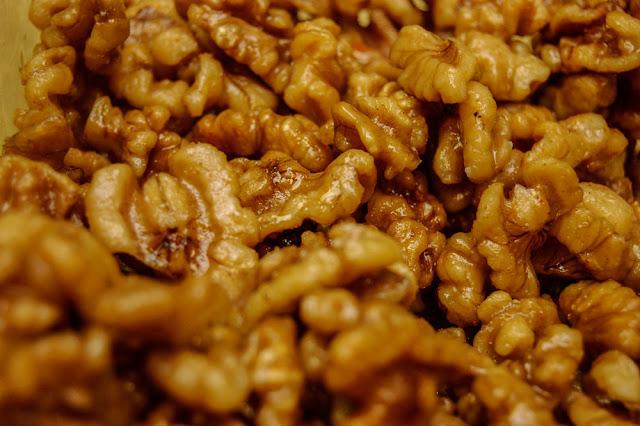 Nueces fritas caramelizadas como las de los restaurantes chinos.
