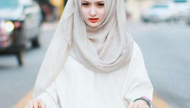 Jangan Tunda Lagi, Ketika Hijabmu Telah Kau Kenakan, Maka Mulailah…