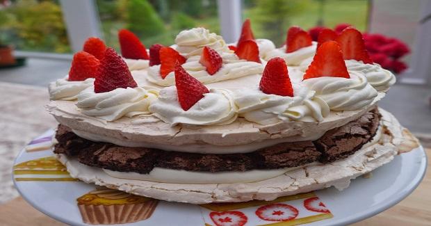 Strawberry Meringue Layer Cake Recipe