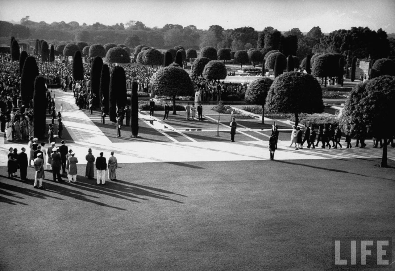 Gardens at presidential palace during the visit of Queen Elizabeth II.