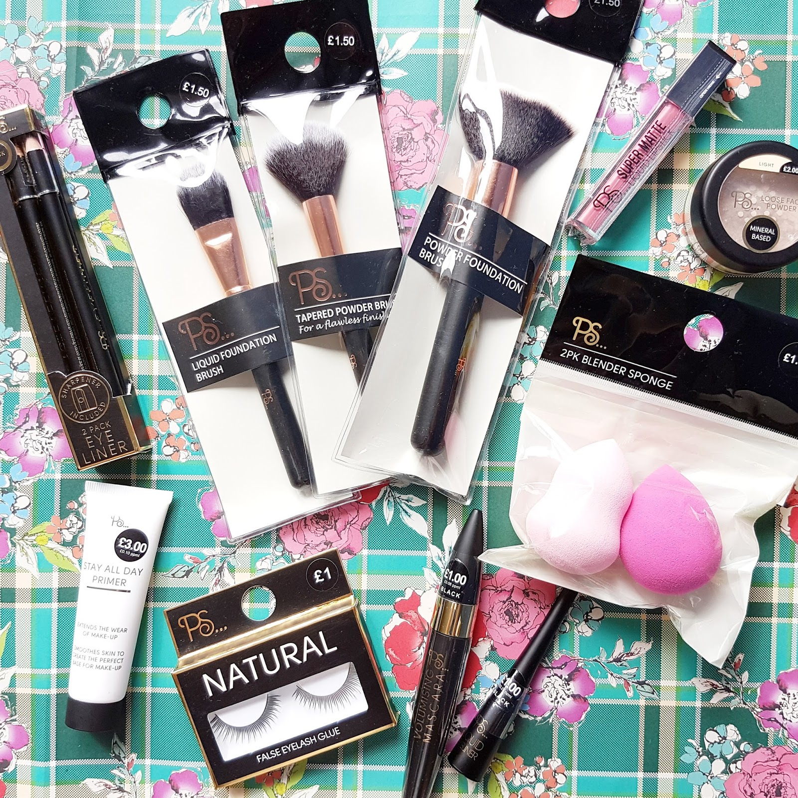 5168272c88d Let's start with Primark's range of makeup tools and applicators. I was  really disappointed to find out that my local store doesn't stock their  range of ...