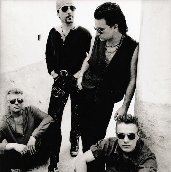 hennemusic: VIDEO: U2 redo Sunday Bloody Sunday for agit8