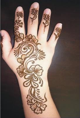 Beautiful Floral Mehndi Design