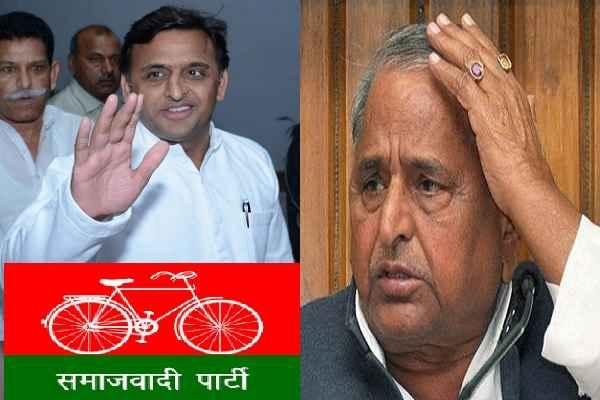 मुलायम सिंह के लिए बुरी खबर, साइकिल की जंग में अखिलेश ने जीती बाजी, पिता से छीनी साइकिल
