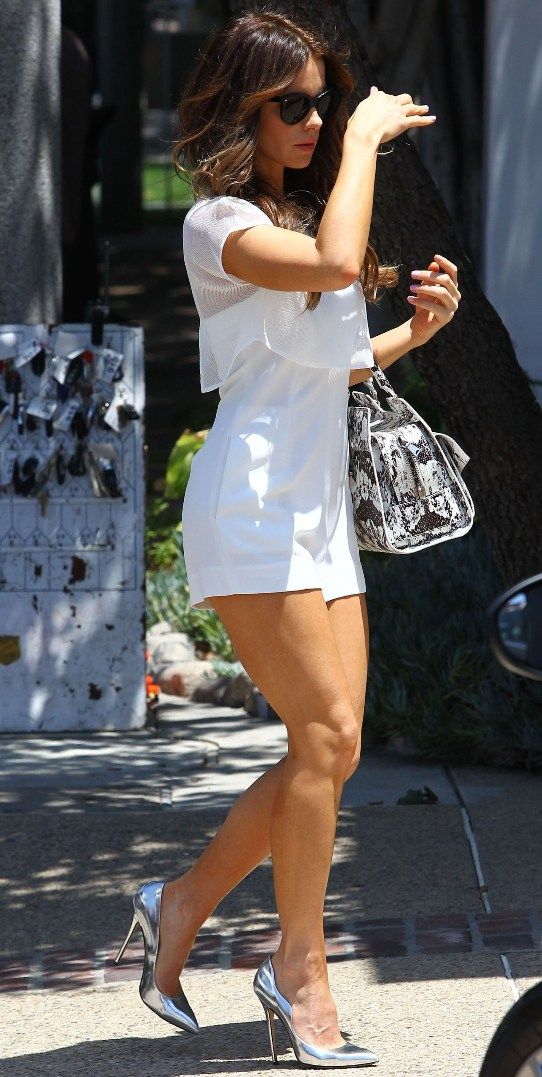 https://celebritygalaworld.blogspot.com/2014/07/kate-beckinsale-memorial-day-party-in.html
