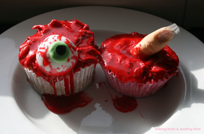 eyeball & severed finger horror gore cupcake with blood frosting