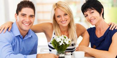 8 Cara Simpel dan Sukes Untuk Menarik Perhatian Ibu Mertua