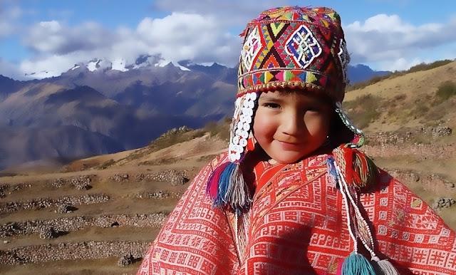 Segundo domingo de abril Día del Niño Peruano