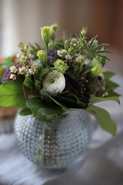 jaloleinikki, piikkiputki, eustoma, kukkakimppu, flowerbunch, bouquet