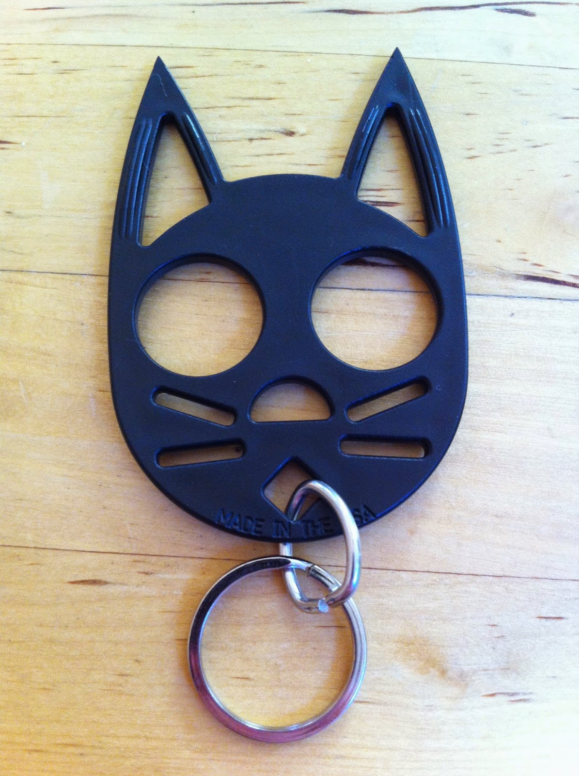 Forgotten Trinkets Reviews The Cat Self Defense Keychain