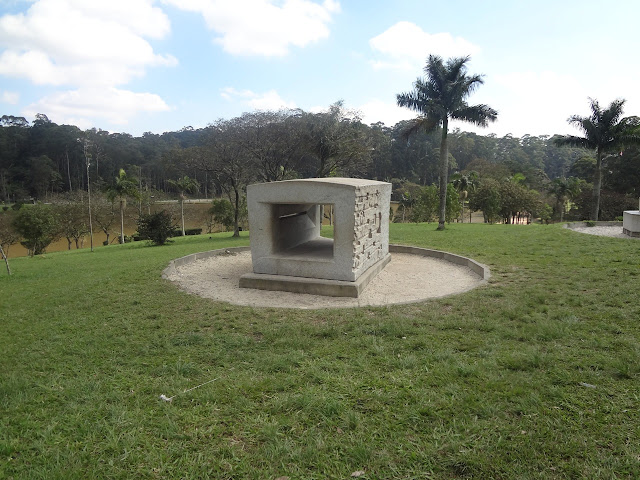 Obra do artista Kota Kinutani no Parque do Carmo