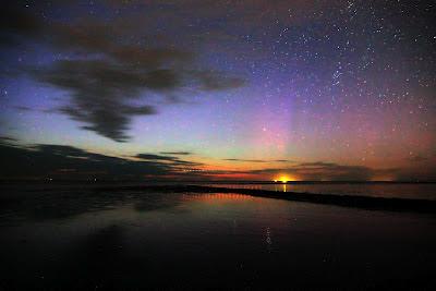 Poollicht boven de Waddenzee