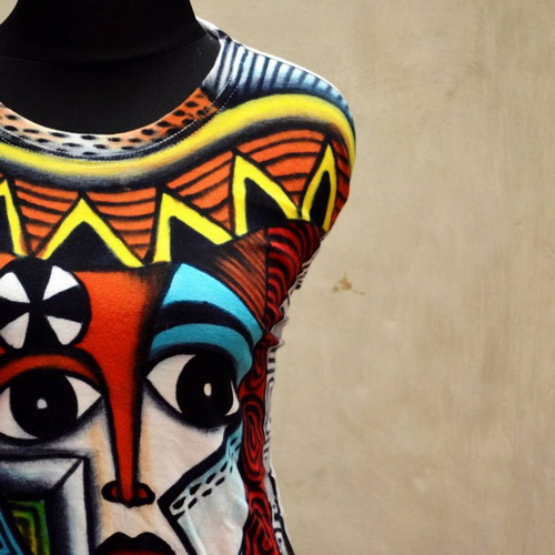 Tinuku Castle T-Shirt Painting studio show off art of painting into fashion art works