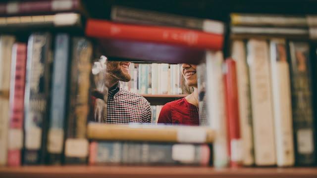 דייט בספרייה