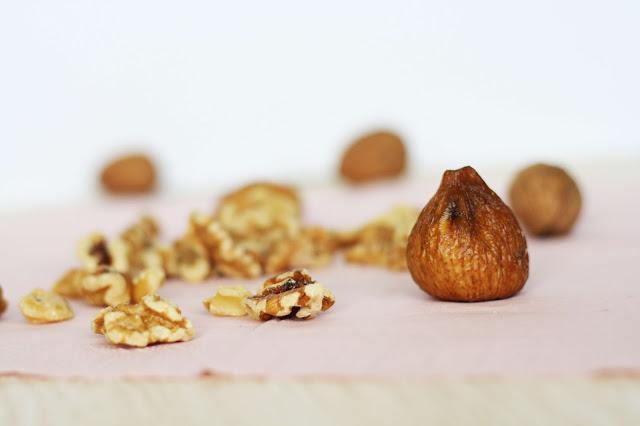 DIY Schokoladen-Trüffel aus Feigen und Walnüssen
