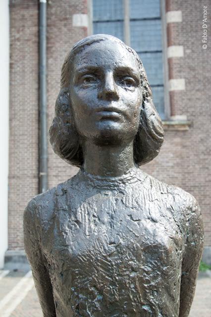Utrecht-Statua di Anna Frank