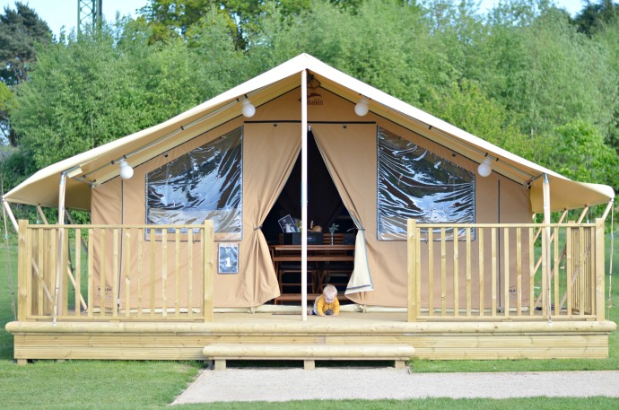 glamping at drayton manor, tamworth glamping, glamping tent
