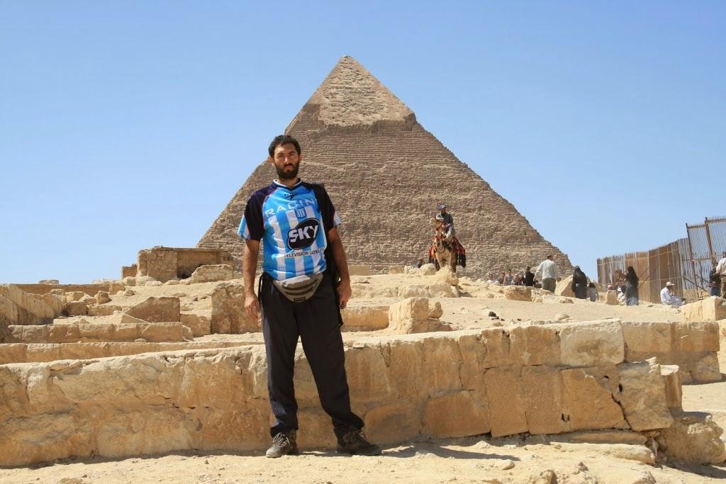 Pirámide de Giza , Egipto, Racing Club, el mundo en tándem, round the world, mundoporlibre.com