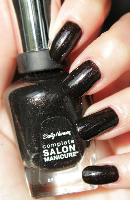 http://lacquediction.blogspot.de/2015/04/sally-hansen-670-midnight-in-ny.html