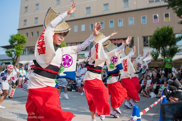 高円寺駅北口広場、江戸っ子連の舞台踊り 5