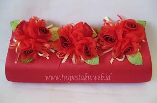 Tas Pesta Bunga Maroon Merah Cerah