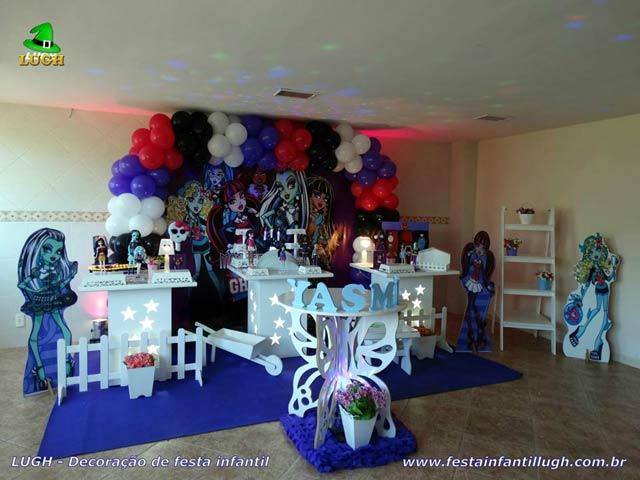 Mesa de aniversário decorada com o tema Monster High - Festa infantil feminina - Provençal