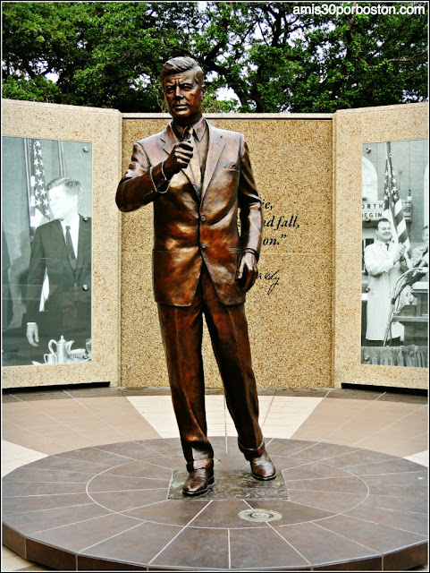 JFK Tribute en General Worth Square, Fort Worth