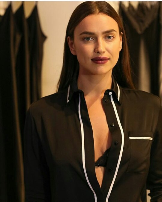 Irina Shayk Latest Hot Photo Gallery
