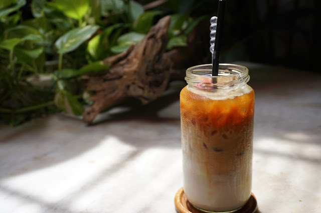 Malacca The Daily Fix Cafe - Iced Rose Latte