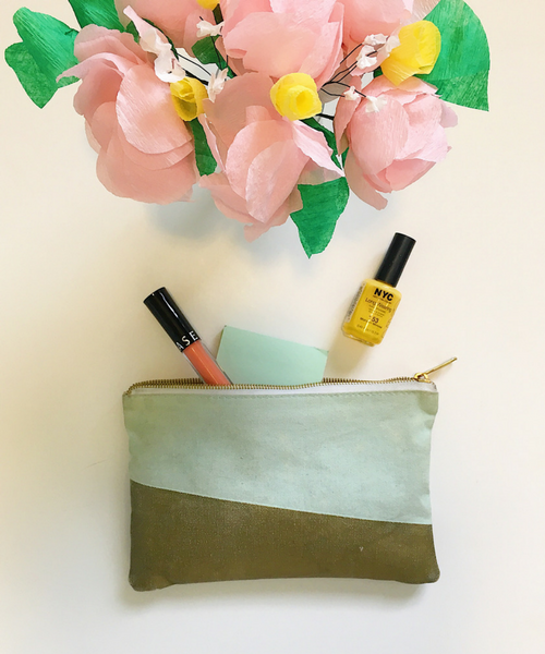 Diy in the forest spring crepe paper flower arrangement every spring i love when the flowers bloom and everything is so much more colorful i decided to make this crepe paper flower arrangement so i could have mightylinksfo