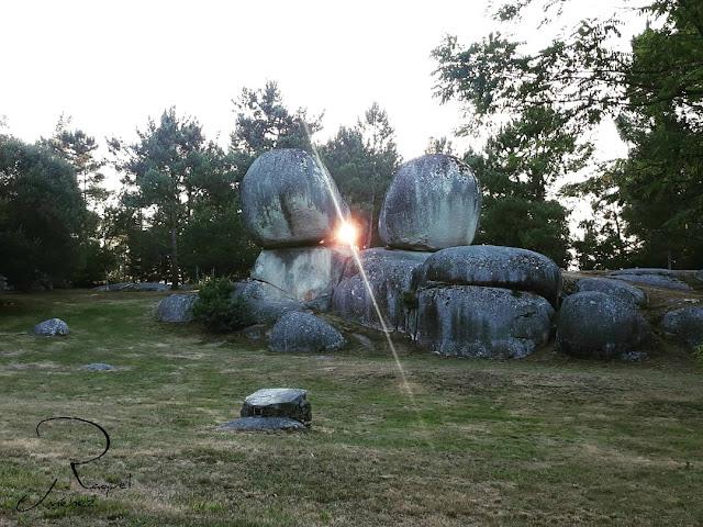 puesta de sol en penas de rodas galicia