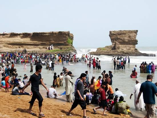 paradise-point-karachi