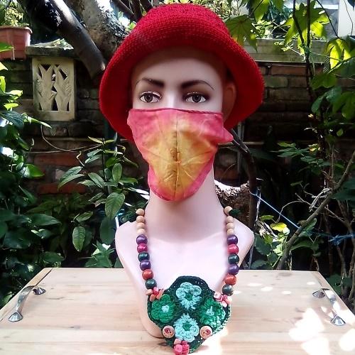 Topi Rajut Warna Merah yang Cantik