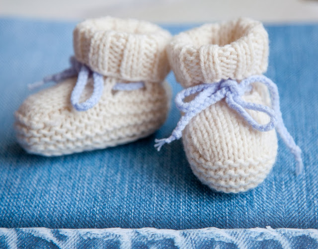 Baby booties uggs free knitting pattern