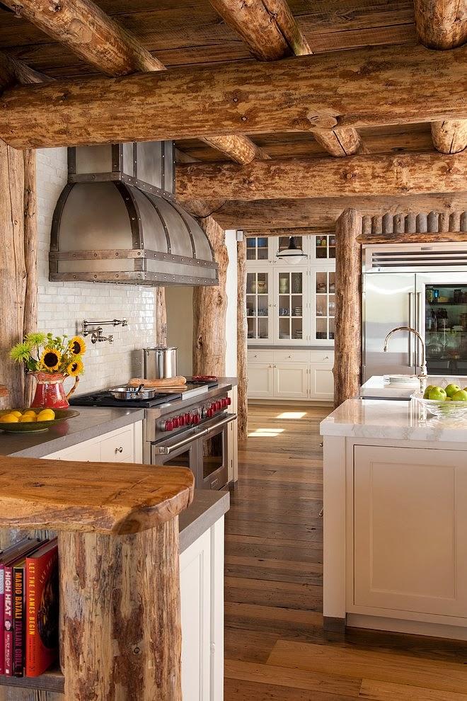 Niesamowity dom z bali w Montanie, wystrój wnętrz, wnętrza, urządzanie domu, dekoracje wnętrz, aranżacja wnętrz, inspiracje wnętrz,interior design , dom i wnętrze, aranżacja mieszkania, modne wnętrza, styl klasyczny, styl rustykalny, dom drewniany, chata w górach, kuchnia