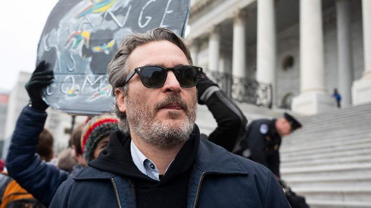 Vídeo mostra Joaquin Phoenix sendo preso em Washington